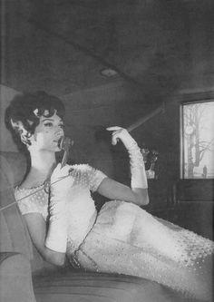 https://flic.kr/p/SwKEoC | Harper's Bazaar Editorial shot by Derujinsky 1961
