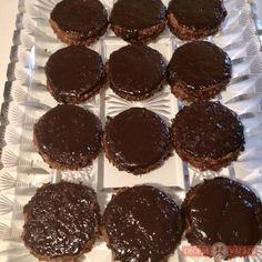 Fehér liszt- és cukormentes isler Health Eating, Muffin, Food And Drink, Healthy Recipes, Cookies, Chocolate, Breakfast, Diabetes, Pizza