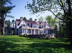 Cape Cod Style? Farmhouse style? that is the question. Does a combo of both exist???