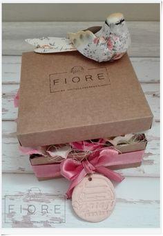 Anyák napi limitált virágdoboz. Megvásárolható a weboldalon.  #mothersday, #flowerbox, #silkflower