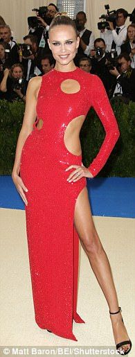 Doutzen Kroes and Behati Prinsloo attend the Met Gala | Daily Mail Online