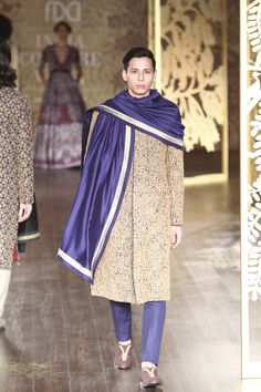 See Anita Dongre's complete collection from India Couture Week 2017 on Vogue. Indian Groom Wear, Indian Men Fashion, Anita Dongre, Vogue India, Couture Week, Menswear, How To Wear, Collection, Pakistani