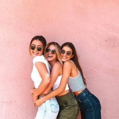 traveling with your best friend: a plan only for girls Where to go traveling … – Bff Pins Cute Friend Pictures, Best Friend Photos, Best Friend Goals, Bff Pics, Roommate Pictures, Love Pics, Teen Pics, Shooting Photo Amis, Best Friend Photography
