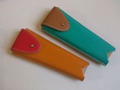 Fundas de abanicos... Card Case, Wallet, Leather Workshop, Hand Fans, Slipcovers, Fur, Bags, Manualidades, Presents