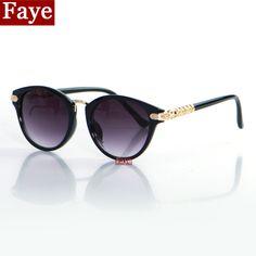 Encontrar Más Gafas de Sol Información acerca de 2015 moda Cat Eye  Sunglasses mujeres diseñador de la marca alta calidad Vintage marco del ojo  de gato Gafas ... c13576c26e78