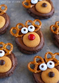 These adorable Rudolph Reindeer Cookies are the cutest things I& ever made! I& teach you how to make Rudolph Cookies! They& adorable and so easy to make! Christmas Treats To Make, Easy Christmas Cookie Recipes, Christmas Snacks, Christmas Cooking, Holiday Cookies, Holiday Baking, Christmas Desserts, Holiday Treats, Holiday Recipes