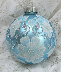 .Such a beautiful ornament