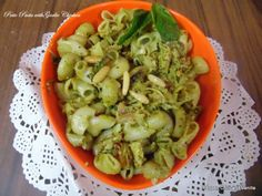 Pepper, Chilli and Vanilla: Pesto Pasta with Garlic Chicken