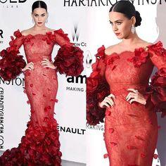 A gala amfAR Cannes é amanhã à noite! Siga @Fofoquei_Tv  para a melhor cobertura do tapete vermelho ao vivo. Até então, nós estamos tendo um olhar para trás, os melhores momentos do tapete vermelho até o momento. Katy Perry em Marchesa na gala da amfAR Cannes em 2016. . . @Fofoquei_Tv ✨ @Fofoquei_Tv ✨ @Fofoquei_Tv ✨ .. .  #katyperry #marchesa #redcarpet #fashion #fashionista #instafashion #instaglam #glamour #beauty #stylishstarlets #Fashion #Famosa #Musica #Pop #swishswish #bonapettit…