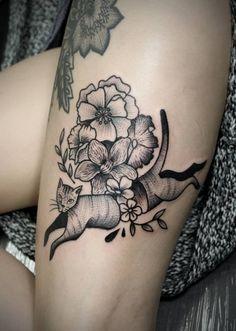 Redberry Tattoo Studio Wrocław #tattoo #inked #ink #studio #wroclaw #warszawa #tatuaz #dresden #redberry #katowice #redberrytattoostudio #amazingtattoo #poland #berlin #dagna #dagnawrazen #wrazen #dots #dotwork #geometric #precise #kot #cat #flowers #kwiaty #black