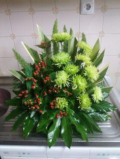 Church Flower Arrangements, Church Flowers, Beautiful Flower Arrangements, Floral Arrangements, Beautiful Flowers, Arte Floral, Ikebana, Plants, Instagram