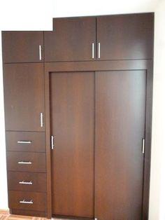 Closets económicos y de lujo en CDMX|Cocimex Bedroom Cupboards, Bedroom Cupboard Designs, Wardrobe Design Bedroom, Bedroom Decor, Landry Room, Kitchen Interior, Wardrobes, Tall Cabinet Storage, Wall Shelves
