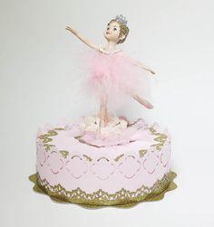 Little Ballerina cake topper por EllasPartyDesigns en Etsy