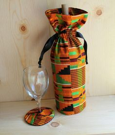 African gifts - Wine Gift Bag Wine Gift for a Women Wine Gift Ideas Bachelorette Bag Favor African Women Bag Tribal Accessories – African gifts African Crafts, African Home Decor, African Theme, African Wedding Theme, African Attire, African Dress, African Style, African Accessories, Woman Wine