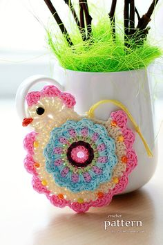 easter crochet patterns This is a PDF PATTERN for a 'Happy Crochet Chick' ornament. The cute colorful hanging ornaments that you can create with this pattern will be about 3 in Crochet Birds, Easter Crochet, Love Crochet, Crochet Flowers, Knit Crochet, Crotchet, Crochet Kitchen, Crochet Home, Crochet Crafts