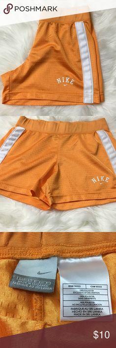 Women's NIKE Size S(4-6) Athletic Wear Shorts Women's NIKE Size (4-6) Athletic Wear Shorts NIKE Shorts