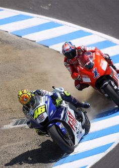 58d433208e560 Rossi and Stoner at the Corkscrew