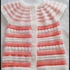 İki Renkli Örgü Bebek Yelek Modelleri 2018 | M-visible.com Baby Girl Sweaters, Knitted Baby Clothes, Nike Flex, Baby Knitting Patterns, Hand Knitting, Moda Emo, Baby Girl Dresses, Tops, Women
