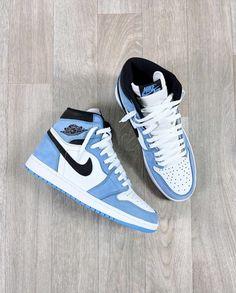 "Yé. on Twitter: ""Jordan 1 University Blue ✨🐬… "" Dr Shoes, Swag Shoes, Cute Nike Shoes, Cute Sneakers, Nike Air Shoes, Hype Shoes, Sneakers Nike, Jordan Sneakers, Jordan Shoes Girls"
