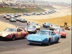 The King to take the lead - Richard Petty in a Dodge Superbird