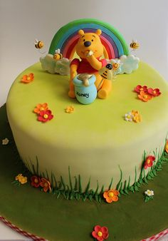 >Winnie the Pooh para o Dia das Crianças! Winnie Pooh Torte, Winnie The Pooh Themes, Winnie The Pooh Birthday, Winnie The Pooh Friends, Cupcakes, Cupcake Cakes, 3 Year Old Birthday Cake, Baby Shower Sheet Cakes, Disney Cakes