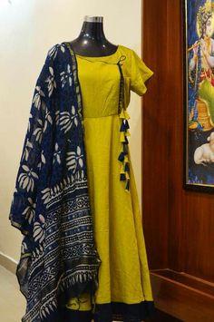Designer Kurti Designs for Women in India - Kurti Blouse Indian Gowns Dresses, Indian Fashion Dresses, Indian Designer Outfits, Indian Outfits, Long Dress Design, Dress Neck Designs, Blouse Designs, Churidar Designs, Kurta Designs Women