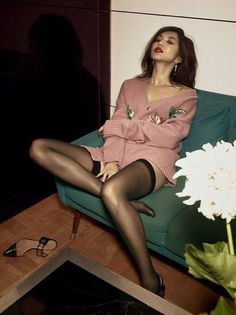 Rich Asians Star Gemma Chan Sits Down With Vogue Gemma Chan: Crazy Rich Asians Interview Lux Fashion, Asian Fashion, Girl Fashion, Nylons, Asian Woman, Asian Girl, Celebrities In Stockings, Gemma Chan, Je T'adore