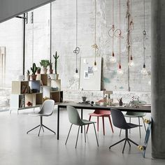 Fiber Side Chair tube onderstel - Muuto https://www.livingdesign.be/nl/producten/meubelen/stoelen/fiber-side-chair-tube-onderstel-muuto-fibertubesidegreen
