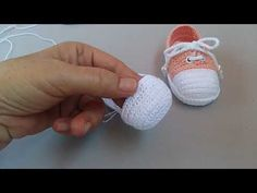Crochet Bebe, Crochet Baby Shoes, Baby Patterns, Crochet Patterns, Felt Shoes, Baby Slippers, Slipper Boots, Baby Booties, Marie