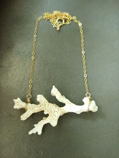 oh my I love this coral necklace