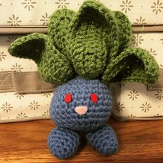 sreyacrochet:: Another little Pokemon! I'm in love with how well her leaves turned out. #crochet #crafts #pokemon #original #oddish #amigurumi #adorable #kawaii #nintendo #yarn