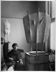Kenneth Armitage. 1960s british sculptor.