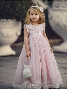 Princess Pink A Line Flower Girls Dresses with Jewel Neck Lace Appliques Cheap First Communion Dresses Little Kids Formal Wear 2017 Online