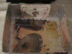 scatola di cartone recuperata e rivestita con immagini di mio gusto