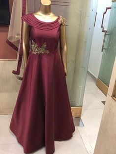 CALL OR WHATSAPP ON +91-7976078301 TO ORDER THIS, WORLDWIDE DELIVERY, CUSTOMIZATION AVAILABLE, NO COD Indian Gowns Dresses, Pakistani Bridal Dresses, Indian Outfits, Red Lehenga, Party Wear Lehenga, Bollywood Outfits, Bollywood Fashion, Designer Gowns, Indian Designer Wear
