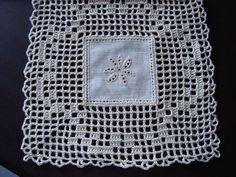 Fanda Crochet Granny, Filet Crochet, Crochet Motif, Crochet Lace, Coaster Design, Crochet Tablecloth, Bobbin Lace, Needlework, Diy And Crafts