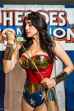 Wonder Woman #Cosplay | Heroes Con 2014