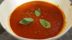 Pomarola Simple fresh tomato and basil sauce