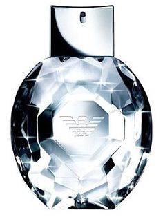 Emporio Armani Diamonds: The top notes are litchi and raspberry, the middle notes – freesia and lily of the valley, and the base are vetiver, cedar wood, patchouli and vanilla.