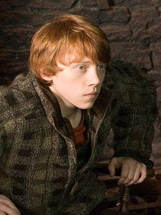 http://images5.fanpop.com/image/photos/24700000/Ron-Weasley-harry-potter-24719941-299-400.jpg