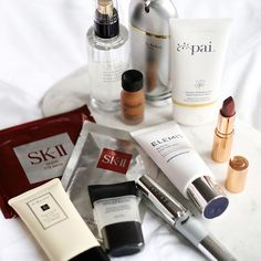 win these 11 products that I love using for fresh skin and glowing makeup. Worth over £250 this is my way of saying a big thank you for all your support over the last year  Read below if you're interested in entering.  The products are: ✨Elizabeth Arden Superstart Skin Renewal Booster ✨Pai Rosehip BioRegenerate Rapid Radiance Mask ✨Elemis Papaya Enzyme Peel ✨Clinique Mash Power Flutter to Full mascara ✨Charlotte Tilbury Matte Revolution lipstick in Very Victoria ✨Estée Lauder Set + Ref...