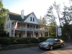 Love the style of this house #whitegullinn