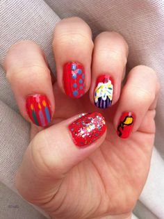 Birthday nail-art
