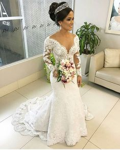 How pretty is this! Wedding Wows, Stunning Wedding Dresses, Dream Wedding Dresses, Bridal Dresses, Beautiful Dresses, Civil Wedding Dresses, Wedding Dress Sleeves, African Wedding Hairstyles, Quinceanera Dresses