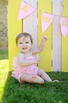 paint one of our pallets for backdrop for photos!