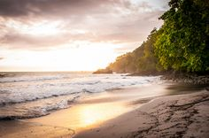 Wanderlust Wednesday: The Sea is Calling Me - Playa Espadilla in Costa Rica