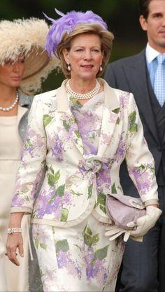 Queen Anne-Marie Of Greece Attend The Wedding Of Crown Prince Felipe Of Spain & Letizia Ortiz Rocasolano In Madrid. Greek Royal Family, Danish Royal Family, Greek Royalty, Adele, Casa Real, Royal Dresses, Princess Anne, Princesa Diana, Royal Weddings
