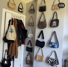 Aesthetic Room Decor, Aesthetic Clothes, My New Room, My Room, Room Ideas Bedroom, Bedroom Decor, Decor Room, Indie Room, Vintage Bags