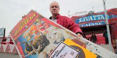 """Toutes les affiches ont été recouvertes par un panneau """"Spectacle annulé pour cause de maltraitance à animaux"""". Hubert Bonnet, c'est Monsieur Loyal dans le cirque Claudio Zavatta. Le..."""