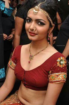Black Wedding Makeup Looks Black Wedding Makeup, Wedding Guest Makeup, Best Bridal Makeup, Indian Bridal Makeup, Wedding Makeup Looks, Bridal Looks, Bridal Makup, Dark Eyebrows, Make Up Braut